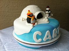 Penguin cake - My birthday cake?!?!  I wonder if my wonderful mother-in-law would make this for me.  :)