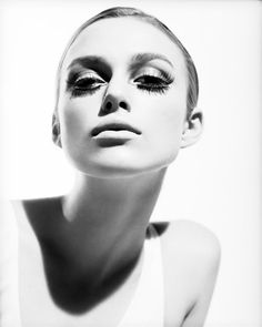 Keira Knightley - Twiggy look-alike