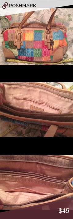 Your new spring bag! Gently worn, well loved bag Fossil Bags Shoulder Bags