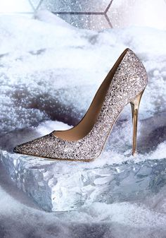 ALL THAT GLITTERS - Iconic styles, statement sparkle.