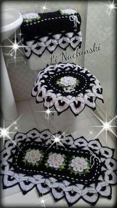 Crochet Bathroom Sets - Her Crochet Crochet Home, Crochet Crafts, Crochet Doilies, Crochet Flowers, Crochet Baby, Crochet Projects, Free Crochet, Diy Crafts, Crochet Stitches Patterns