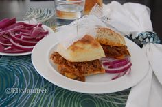 West Ravkan pulled pork sandwich: shredded with Volcra claws, and bursting with golden Grisha flame, this dish made it past the Unsea on white-sailed skiffs. Pork Sandwich, Sandwiches, The Gathering, Pulled Pork, Claws, French Toast, Pure Products, Dishes, Breakfast