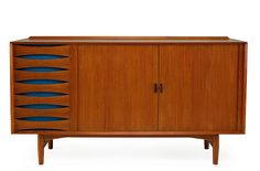Great Dane! Arne Vodder rules. My grandparents had several pieces that had his inspiration, but never his touch.