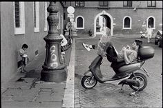 Magnum Photos - Leonard Freed Street scene outside an old palace. Leonard Freed, Alexey Brodovitch, Free Photography, His Travel, The New School, Magnum Photos, Yorkie, Rome, Africa