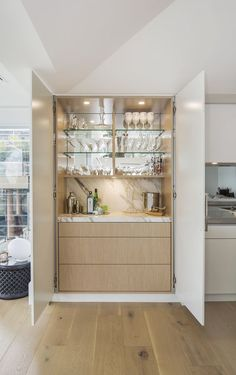 You'll be able to add worth to your private home or apartment and get additional enjoyment by including a house minibar. There are all kinds of offers. Mini Bars, Bar Interior, Küchen Design, House Design, Design Ideas, Design Inspiration, Kitchen Bar Design, Kitchen Bars, Hidden Kitchen