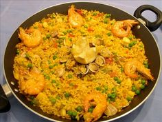 would really like some paella.hint hint mom, you may want to tell dad.I would really like some paella.hint hint mom, you may want to tell dad. Spanish Dishes, Spanish Food, Spanish Paella, Seafood Recipes, Mexican Food Recipes, Ethnic Recipes, Food For Thought, Paella Valenciana, Gastronomia