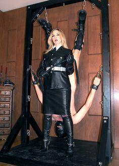 29 best leder mistress von bork images on pinterest dominatrix mistress and high boots. Black Bedroom Furniture Sets. Home Design Ideas