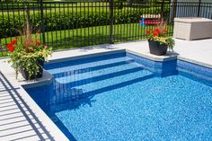Gorgeous Backyard Ideas & End-Of-Summer Pool Maintenance Tips The post Gorgeous Backyard Ideas & End-Of-Summer Pool Maintenance Tips appeared first on Summer Diy. Backyard Pool Landscaping, Small Backyard Pools, Backyard Pool Designs, Pool Fence, Swimming Pools Backyard, Outdoor Pool, Backyard Ideas, Lap Pools, Acreage Landscaping