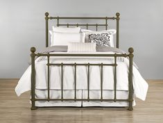 Light and airy, the Revere iron bed gives a dreamy atmosphere to any bedroom. Old-world refinement meets modern luxury.