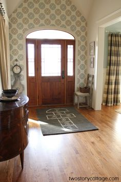 my clever friend Erin's beautiful foyer! ;} LOVE!  #Entry #Home  #Irvine #RealEstate ༺༺  ❤ ℭƘ ༻༻ IrvineHomeBlog.com