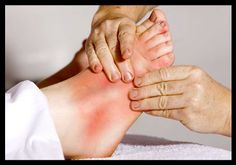 Home Remedies for Gout Yoga For Arthritis, Natural Remedies For Arthritis, Knee Arthritis, Natural Headache Remedies, Arthritis Remedies, Types Of Arthritis, Rheumatoid Arthritis, Holistic Remedies, Massage