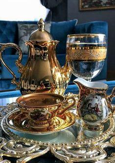 My inner landscape: Photo I Love Coffee, Coffee Set, Coffee Brownies, Glass Tea Cups, Tea Culture, Good Morning Coffee, Turkish Coffee, Chocolate Coffee, Tea Time