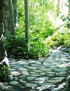 67 Super Ideas For Backyard Country Landscaping Stone Paths Backyard Dog Area, Backyard Sheds, Backyard Playground, Ponds Backyard, Country Landscaping, Backyard Landscaping, Landscaping Ideas, Stone Paths, Flora Garden