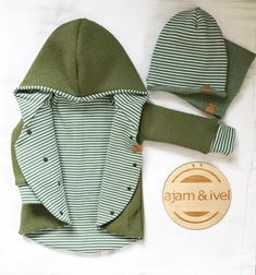 Your loves green I realize . -Walk coat olive with the r Ihr liebt grün merke ich…👌🏻🙌🏻🌿 -Walk Mantel Oliv mit dem Ringe… Your loves green I notice … 👌🏻🙌🏻🌿 -Walk Coat Olive with the Stripes White Olive Striped with the Fit … - Sewing For Kids, Baby Sewing, Happy Baby, Child Models, Baby Clothes Shops, Sewing Clothes, Kind Mode, Baby Love, Baby Dress