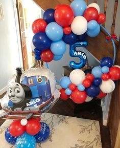 Thomas the Tank birthday balloon hoop and floor display Thomas Birthday Parties, Thomas The Train Birthday Party, 2nd Birthday Party Themes, Fun Party Themes, Trains Birthday Party, Train Party, Baby Boy Birthday, Balloon Decorations Party, Birthday Party Decorations