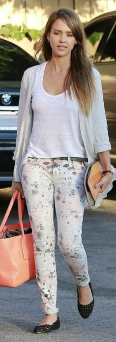 Who made  Jessica Alba's floral skinny jeans?