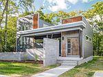 Modern Style Homes, Nashville, Outdoor Decor, Home Decor, Decoration Home, Room Decor, Home Interior Design, Home Decoration, Interior Design