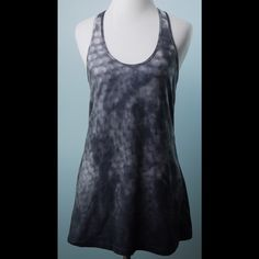 LULULEMON Gray Tie Dye Racer Back Stretch Top S LULULEMON Gray Tie Dye Racer Back Stretch Work Out Top Size Small lululemon athletica Tops