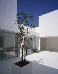 White Cave House by Takuro Yamamoto Architects 5