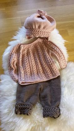 Baby Knitting Patterns Clothes Sweater with trousers and hatFree Knitting Patterns for Toddlers CardigansRavelry: c Hello KittenChildren's Sweater Models - Capital Of FasionThis Pin was discovered by Нас Baby Knitting Patterns, Baby Sweater Patterns, Knitting For Kids, Baby Patterns, Knitting Projects, Dress Patterns, Crochet Pattern, Knitting Ideas, Free Pattern