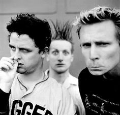 Billie picking his nose. Mike being weird. Tre also being weird. Nothing gets better than this.