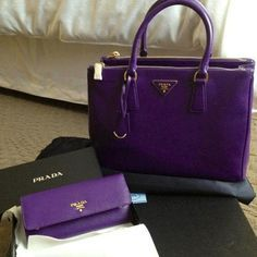 Prada----That's a very bright purple purse & wallet! Oh how I think this may come in handy someday The Purple, Bright Purple, All Things Purple, Shades Of Purple, Purple Stuff, Prada Bag, Prada Handbags, Coach Handbags, Luxury Handbags