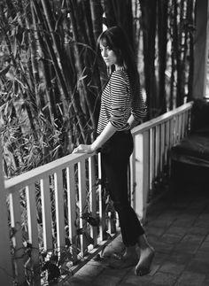 Charlotte Gainsbourg - born to Jane Birkin and Serge Gainsbourg. My favorite actress and singer. Charlotte Gainsbourg, Serge Gainsbourg, Gainsbourg Birkin, Jane Birkin, Muse, Style Parisienne, Breton Stripes, Black Stripes, Mode Simple
