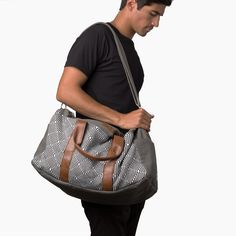 Shop 'the Pike'! A weekender bag made for any vacation, this is the only travel bag you'll need. Need a new carry on or weekender bag? Shop this travel bag!
