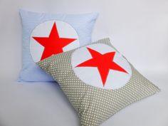 Povlak na polštář s hvězdou Povlak na polštář ušitý z bavlněné látky, našitá aplikace hvězdy, vel. 40x40cm, zapínání ve spodní straně na skrytý zip.Vnitřní polštář můžete objednat tadyklik