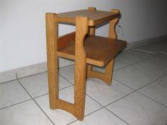 Guillerme et Chambon : 1 table de chevet en chêne