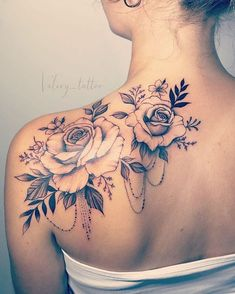 Tätowieren Sie die # Rose Tattoo Tattoo Tattoo # Rose Tattoo # … – diy tattoo images, You can collect images you discovered organize them, add your own ideas to your collections and share with other people. Back Of Shoulder Tattoo, Shoulder Tattoos For Women, Flower Tattoos On Shoulder, Rose Tattoos For Women, Flower Tattoos On Back, Shoulder Blade Tattoos, Back Tattoo Women, Sunflower Tattoo Shoulder, Tattoo Designs For Women