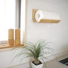 天然の木材をクルッと曲げたシンプルな、北欧風デザイン!。【KITCHEN PAPER HOLDER】キッチンペーパーホルダー テープタイプ☆表面に天然木の突板(薄い板)を張り、くるっと曲げた100%木製の商品です。本物の木は風合いが違います♪ Breakfast Nook, Toilet Paper, Creative Design, Kitchen Decor, Cool Designs, Household, House Design, Interior Design, Simple