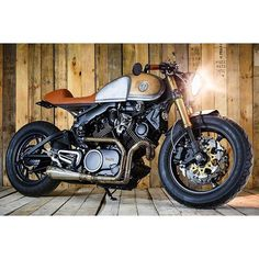 Yamaha XV750 by @spartagarage  Write up and 📷 on @returnofthecaferacers  #caferacer #caferacerxxx #caferacerporn #caferacerofinstagram #croig #custom #custombuild #custombike #tracker #scrambler #bratstyle #brat #motorcycle #motorbike #bike #retro #motor #classic #classicmotorcycle #750 #honda #yamaha #xv750 #750 #yamahaxv750