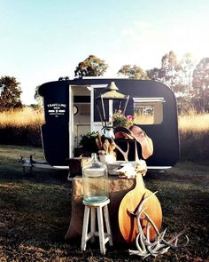 la tienda-caravana de Kara Rosenlun!