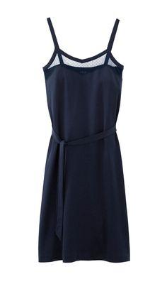 Une robe bleu nuit
