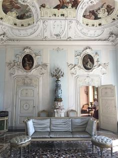 Inside a grand century hotel villa on Lake Como Lake Como Hotels, Lake Como Villas, Antique Interior, French Interior, Antique Furniture, Furniture Wax, Century Hotel, Lake Como Italy, Vogue Living