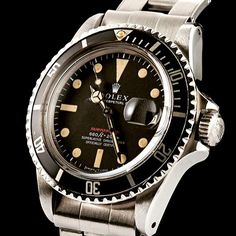 Vintage Rolex Submariner 1680 Red Mark IV Dial. Nice matching aged patina. Circa 1970 w/ C&I rivet bracelet marked 1-69.