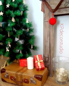 Maleta antigua para decoración Ref. M33 ** Vintage suitcase for decor decoracion nordica escandinava de navidad con maleta antigua  scandinavian Christmas decor