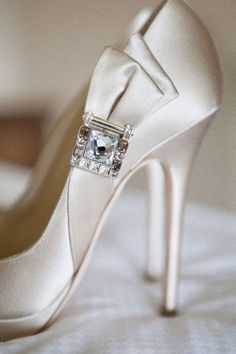 Jimmy Choo [perfect wedding shoe]