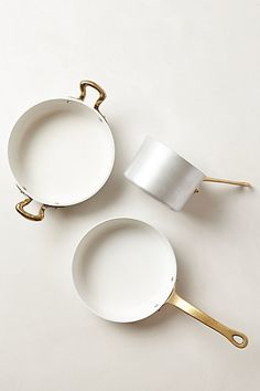 white cookware - pretty. be hard to keep clean though