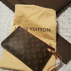 Louis Vuitton Neverfull POUCH Fuschia POUCH from my Louis Vuitton Neverfull MM. Mono fuschia interior.  PERFECT CONDITION.   THIS IS FOR THE POUCH ONLY.   Measures 6 tall by 10 wide.  Purchased September 18th, 2015.  NO TRADES.   NO LOWBALLS. REASONABLE OFFERS WELCOME. Louis Vuitton Bags Clutches & Wristlets