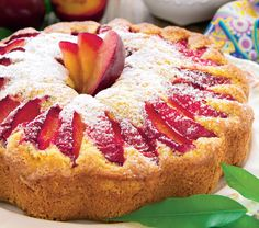 SWEET CINNAMON PLUM CAKE (A delicious cake, sweet with sugar, cinnamon and plums. Perfect for dessert, or grab a slice for breakfast! Plum Cake, Yummy Cakes, Doughnut, Cupcake Cakes, Cupcakes, Nom Nom, Cinnamon, Muffin, Strawberry