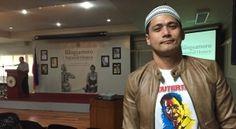 Robin Padilla expresses support for Duterte, federalism Rodrigo Duterte, Mindanao, Pose For The Camera, Graphic Sweatshirt, T Shirt, Robin, Korean, Poses, Actors