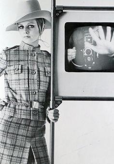 Twiggy. Photo: Bert Stern for Vogue Italia, 1967.