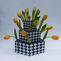 Clay Vase, Ceramic Bowls, Ceramic Pottery, Tulips In Vase, Flower Vases, Flower Show, My Flower, Clay Design, Ceramic Design