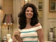 Fran Drescher pictures and photos Nanny Outfit, Fran Drescher, Fashion Idol, 90s Fashion, Fashion Movies, Fran Fine Outfits, 1990s Looks, Miss Fine, New Look Clothes
