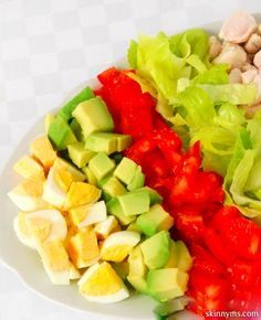 I love salads!  This Skinny Cobb Salad is fantastic for lunch :-)  #lunch #cobbsalad #recipe #salad