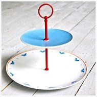 4th of July Wedding gift? Or just for summer outdoor entertaining! Cake stand for dessert display. Perfect for cupcakes. Red white and blue. Bald eagles, stars and stripes!