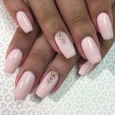 "59 Likes, 2 Comments - Alyssa  (@hashtag_nailz) on Instagram: ""Soft pink  Swarovski accent"""