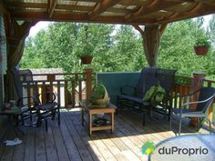 Our own patio. Sherbrooke Quebec, Bungalow, Outdoor Furniture Sets, Outdoor Decor, Rue, Pergola, Outdoor Structures, Coast, Home Decor